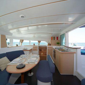 Catamarano Lagoon 380 Dinette