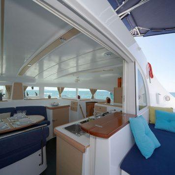 Gallery 5 Catamarano Lagoon 380 Dinette