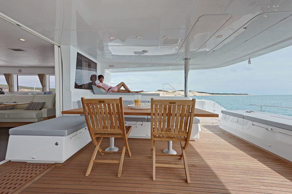 catamarano lagoon 620 pozzetto2