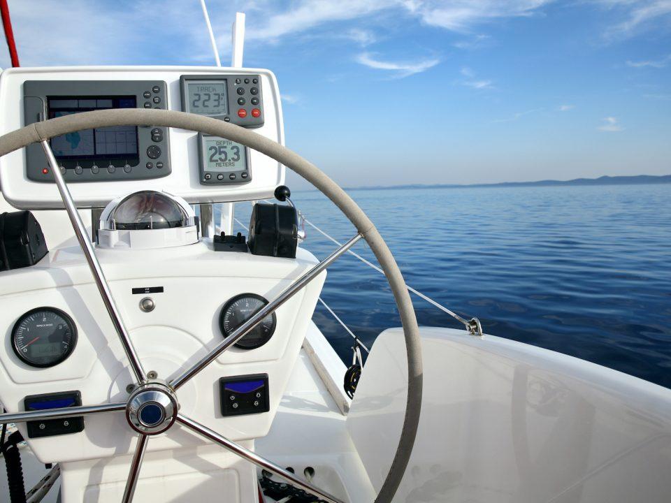 i compiti dello skipper in vacanza catamarano